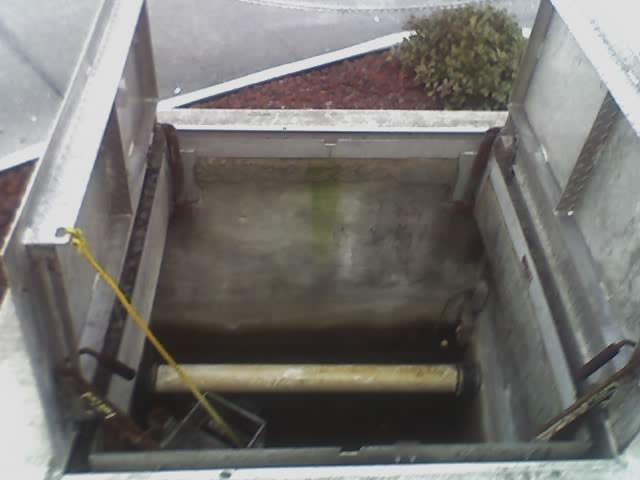 l_grease-trap-skimmer-chamber